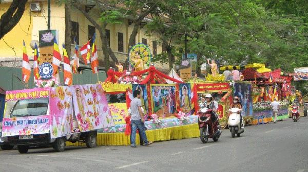 Geburtstag Buddhas groß gefeiert - ảnh 1
