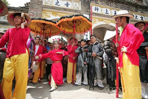 Das Giong-Fest im Dorf Phu Dong - ảnh 1