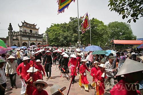 Das Giong-Fest im Dorf Phu Dong - ảnh 2