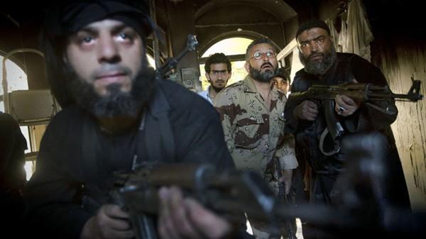 EU-Außenminister können sich in der Frage eines Waffenembargos gegen Syrien-Opposition nicht einigen - ảnh 1