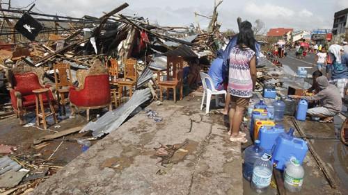 Supertaifun Haiyan verursacht große Schäden auf den Philippinen - ảnh 1