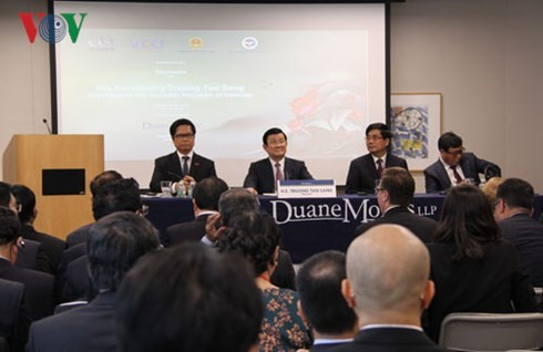 Staatspräsident Truong Tan Sang nimmt am vietnamesisch-amerikanischen Unternehmerforum teil - ảnh 1