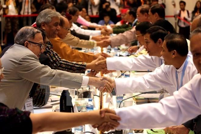 Myanmar lässt Rahmen für Dialog im Friedensprozess entwerfen - ảnh 1