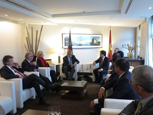 Truong Tan Sang trifft ASEAN-Parlamentariergruppe des Bundestags und den Berliner Bürgermeister - ảnh 1
