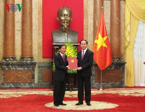 Staatspräsident Tran Dai Quang ernennt neue Botschafter - ảnh 1