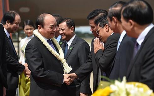 Eröffnung des Gipfels des Entwicklungsdreiecks Kambodscha-Laos-Vietnam - ảnh 1