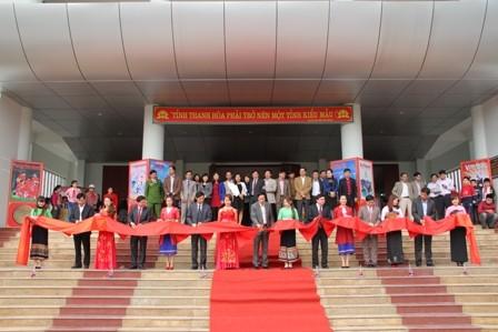 """Ausstellung """"Hoang Sa, Truong Sa von Vietnam – die historischen Beweise"""" - ảnh 1"""
