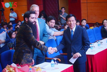 "Regisseur des Films ""Kong: Skull Island"" wird Tourismusbotschafter für Vietnam - ảnh 1"