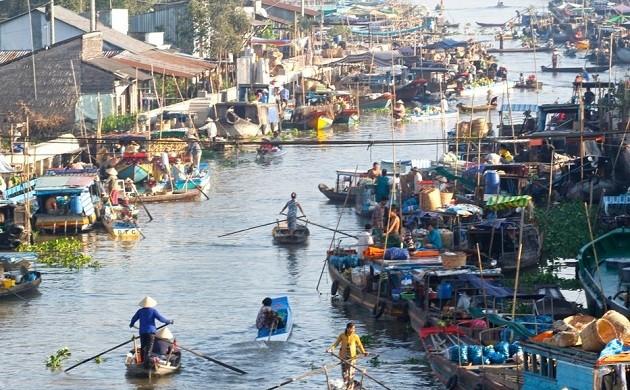Der schwimmende Markt Nga Nam in der Provinz Soc Trang - ảnh 1