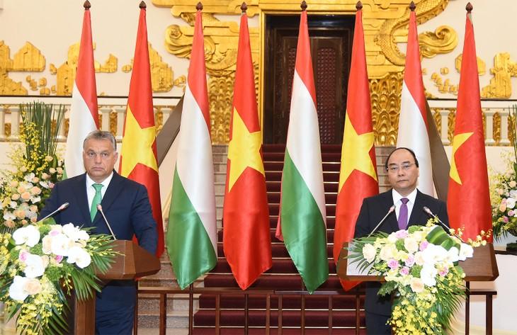 Gemeinsame Erklärung Vietnams und Ungarns - ảnh 1