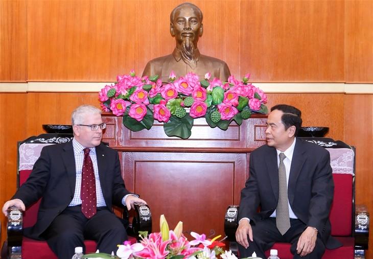 Vorsitzender der Vaterländischen Front Vietnams empfängt Australiens Botschafter - ảnh 1