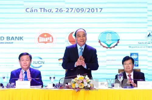 Premierminister Nguyen Xuan Phuc leitet die Konferenz über nachhaltige Entwicklung des Mekong-Deltas - ảnh 1
