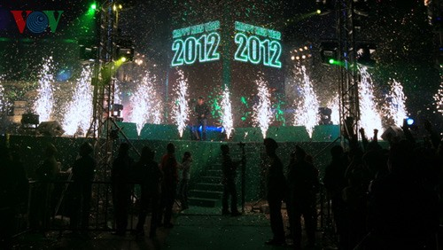 New Year atmosphere in Hanoi - ảnh 10
