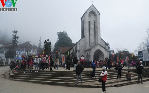Sapa in freezing cold weather - ảnh 8