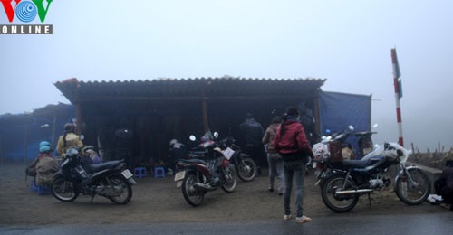 Sapa in freezing cold weather - ảnh 13