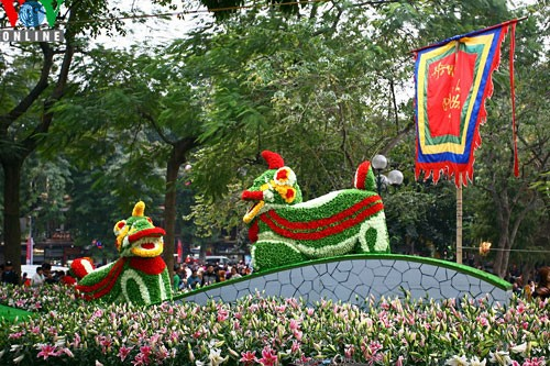 Flower street in Hanoi - ảnh 1