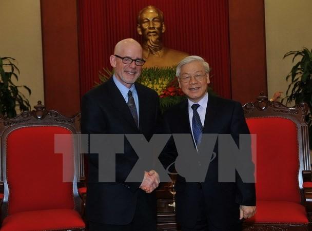 美国共产党高级代表团访问越南 - ảnh 1