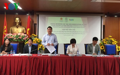 """本台参与实施""""越南女童教育与性别平等倡议""""项目 - ảnh 1"""