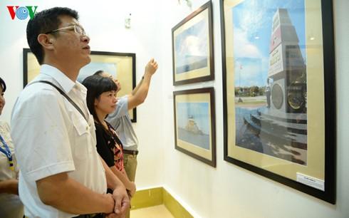 """本台记者举行""""长沙——我到的地方""""摄影展 - ảnh 6"""