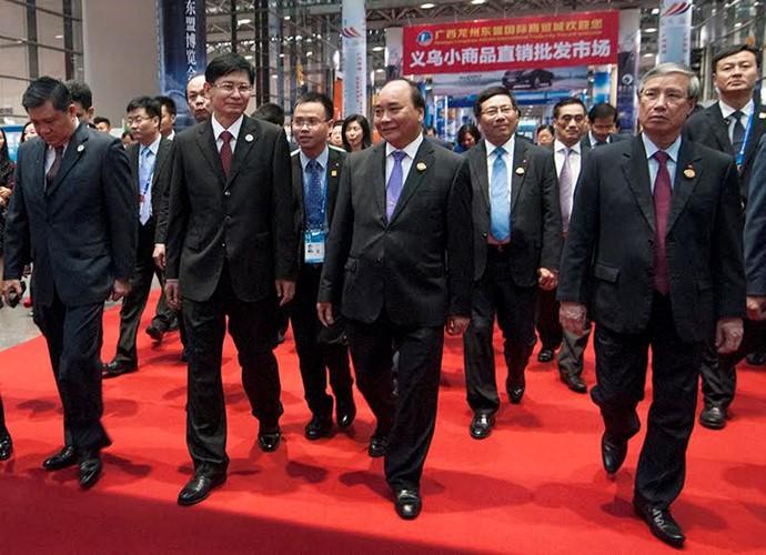 越南政府总理阮春福访华全程图片集锦 - ảnh 2