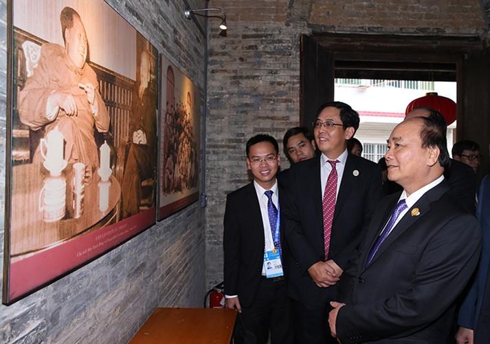 越南政府总理阮春福访华全程图片集锦 - ảnh 6