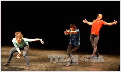 """""""当代舞:亚欧会晤""""国际舞蹈节移师胡志明市 - ảnh 1"""