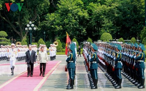 越南国家主席陈大光同菲律宾总统杜特尔特举行会谈 - ảnh 1