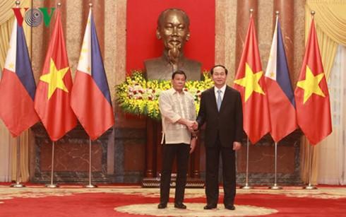越南国家主席陈大光同菲律宾总统杜特尔特举行会谈 - ảnh 2