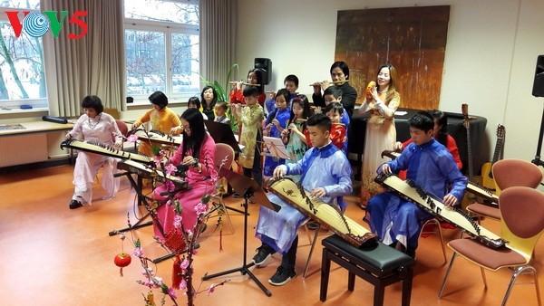Giữ hồn Việt nơi đất khách: Khẳng định Giá trị Việt bằng âm nhạc dân tộc - ảnh 3