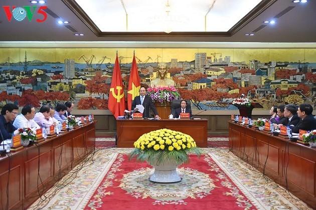 Nguyen Xuan Phuc rencontre l'électorat de la ville de Hai Phong - ảnh 2