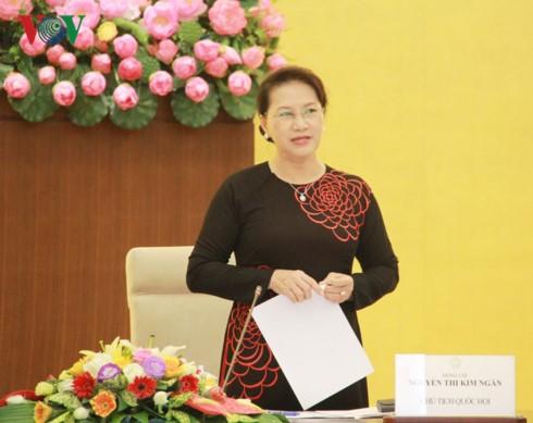 La présidente de l'AN rencontre les nouveaux ambassadeurs vietnamiens  - ảnh 2