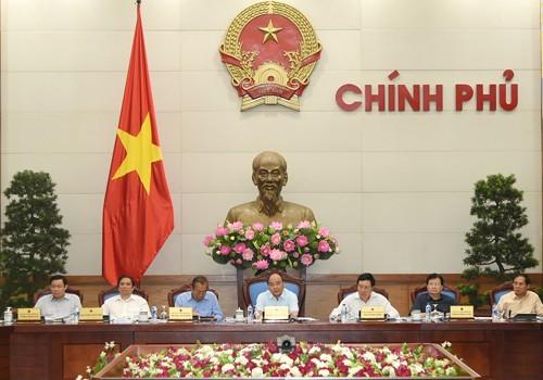 Le projet de loi sur les zones administratives et économiques spéciales en débat au gouvernement - ảnh 1