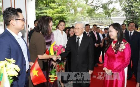 Nguyen Phu Trong à l'ambassade du Vietnam au Myanmar - ảnh 1