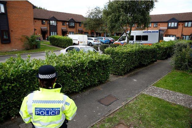Royaume-Uni: Le niveau d'alerte terroriste abaissé suite aux progrès de l'enquête - ảnh 1