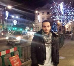 Le suspect de l'attentat de Londres arrêté a été identifié - ảnh 1