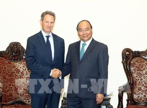 Le président de Warburg Pincus reçu par Nguyen Xuan Phuc - ảnh 1