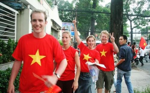 Le Vietnam a accueilli près de 9,5 millions de touristes étrangers en neuf mois - ảnh 1