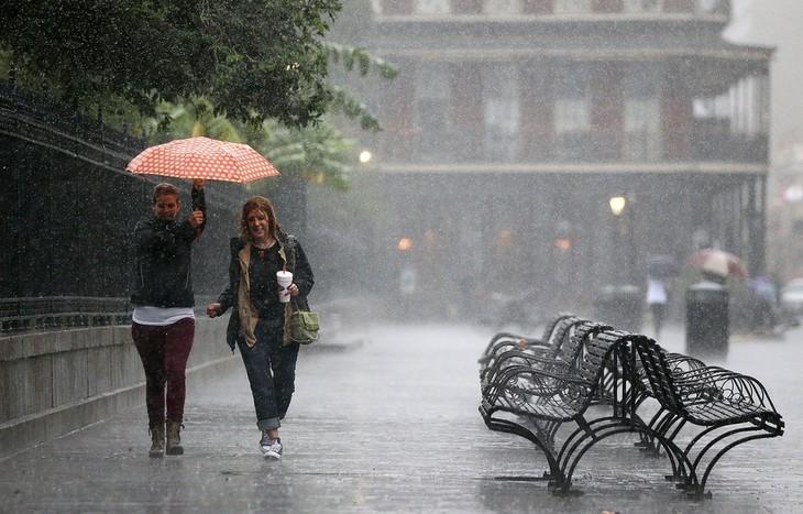 L'ouragan Nate frappe les Etats-Unis moins fort que prévu - ảnh 1