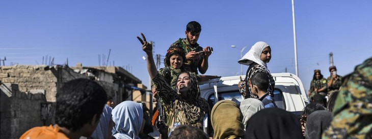 Syrie: Raqqa sur le point de tomber, des djihadistes vont être évacués - ảnh 1