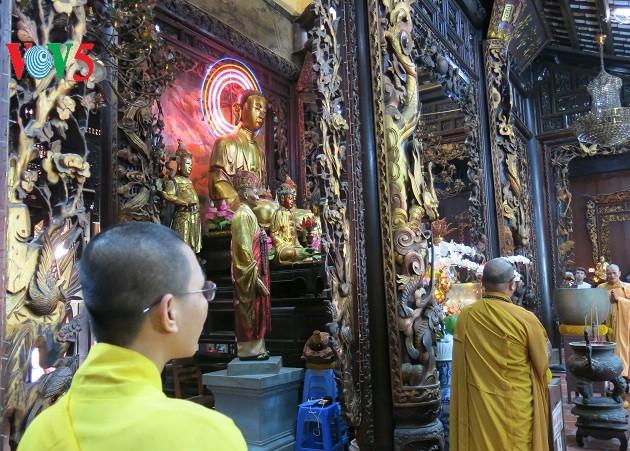 Vinh Tràng, un site incontournable pour les bouddhistes au Sud - ảnh 3