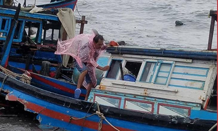 Le typhon Damrey ravage des localités au Centre - ảnh 1