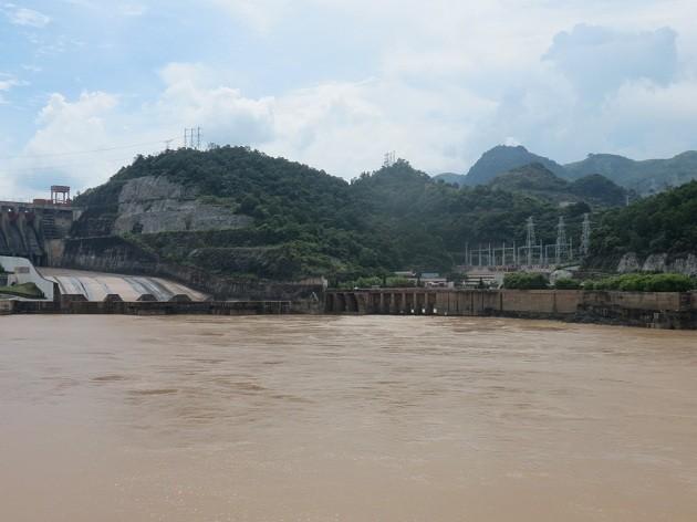 La centrale hydroélectrique de Hoà Binh, symbole de l'amitié Vietnam-Russie - ảnh 1