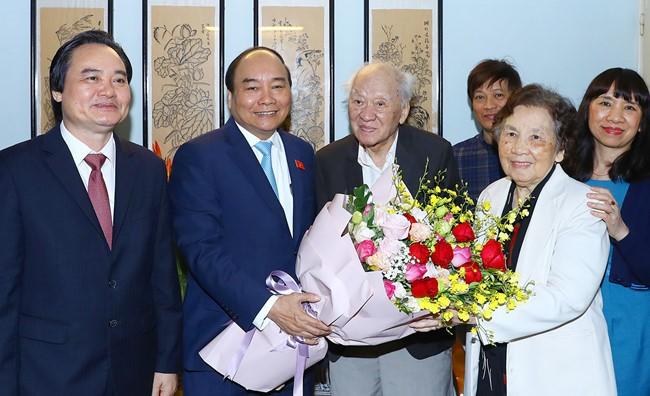 Célébration de la journée des enseignants vietnamiens - ảnh 2