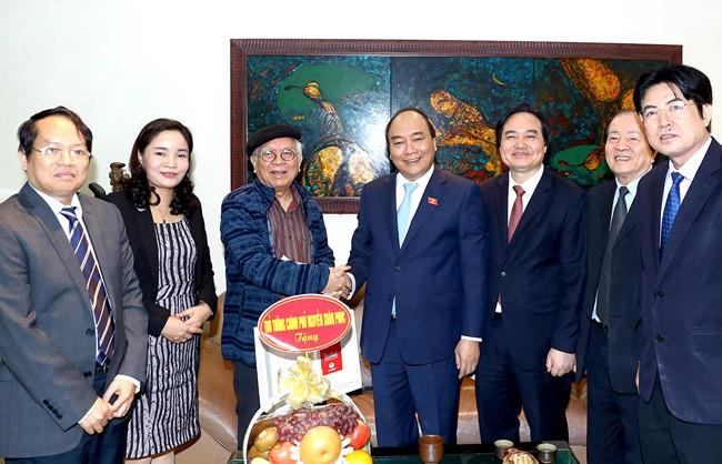 Célébration de la journée des enseignants vietnamiens - ảnh 3