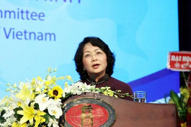 Célébration de la journée des enseignants vietnamiens - ảnh 5
