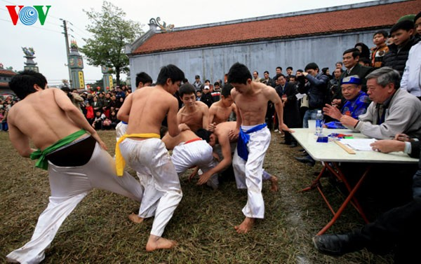 Holzkugelfang in Thuy Linh - ảnh 2