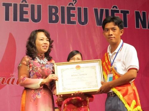Auszeichnung vietnamesischer Blutspender - ảnh 1