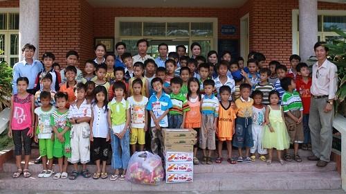 Ca Mau kümmert sich um benachteiligte Kinder - ảnh 1