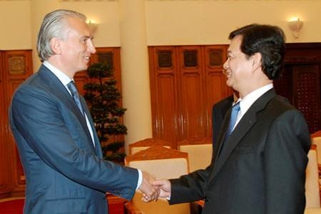 Premierminister Dung trifft Generaldirektor von Gazprom Neft Dyukov - ảnh 1