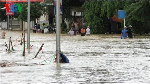 Beseitigung der Folgen von Überschwemmungen in Zentralvietnam - ảnh 1